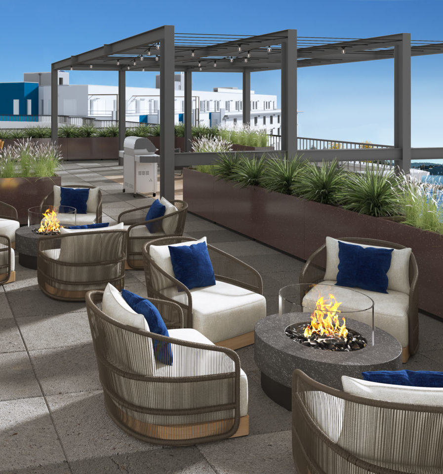 Everett Waterfront Place Apartments - Rooftop Deck